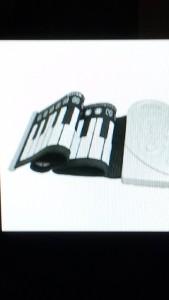 巻けるピアノ