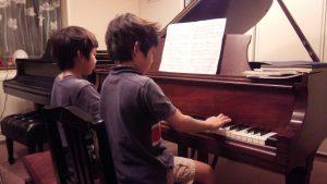 ピアノデュオ