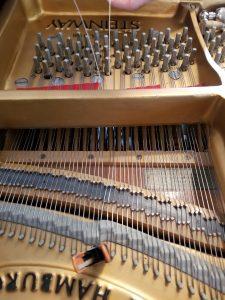 ピアノ スタンウェイ 弦 張り替え